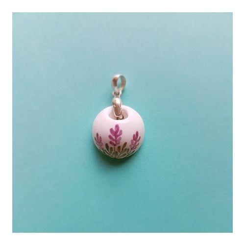 Difusor Pessoal em cerâmica com acabamento em Prata 950.*** NÃO INCLUI FIO *** Aromatize-se! Leve consigo para onde for o aroma do seu óleo essencial preferido.