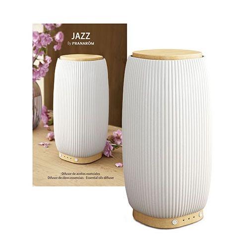 Difusor ultrassónico de  óleos essenciai s em cerâmica e bambu com estilo escandinavo. Design exclusivo Pranarôm.