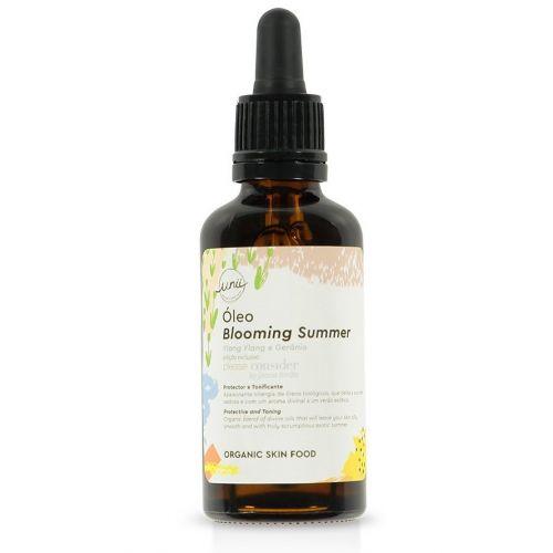 Apaixonante sinergia de óleos biológicos, que deixa a sua pele extraordinariamente sedosa e com um aroma divinal a um verão exótico.